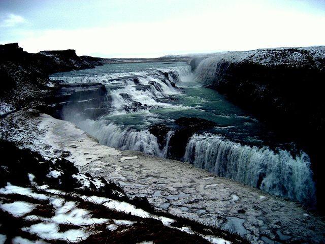 640px-Gullfoss_waterfalls