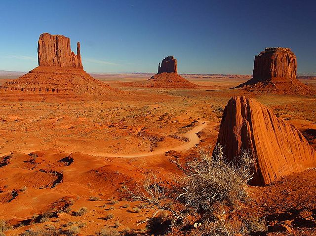 640px-Monument_Valley